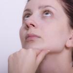 あごの白ニキビの原因(意味)と解消方法がこれ