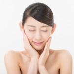 肌荒れが重症!頬の白ニキビが特にひどい時の原因と治し方